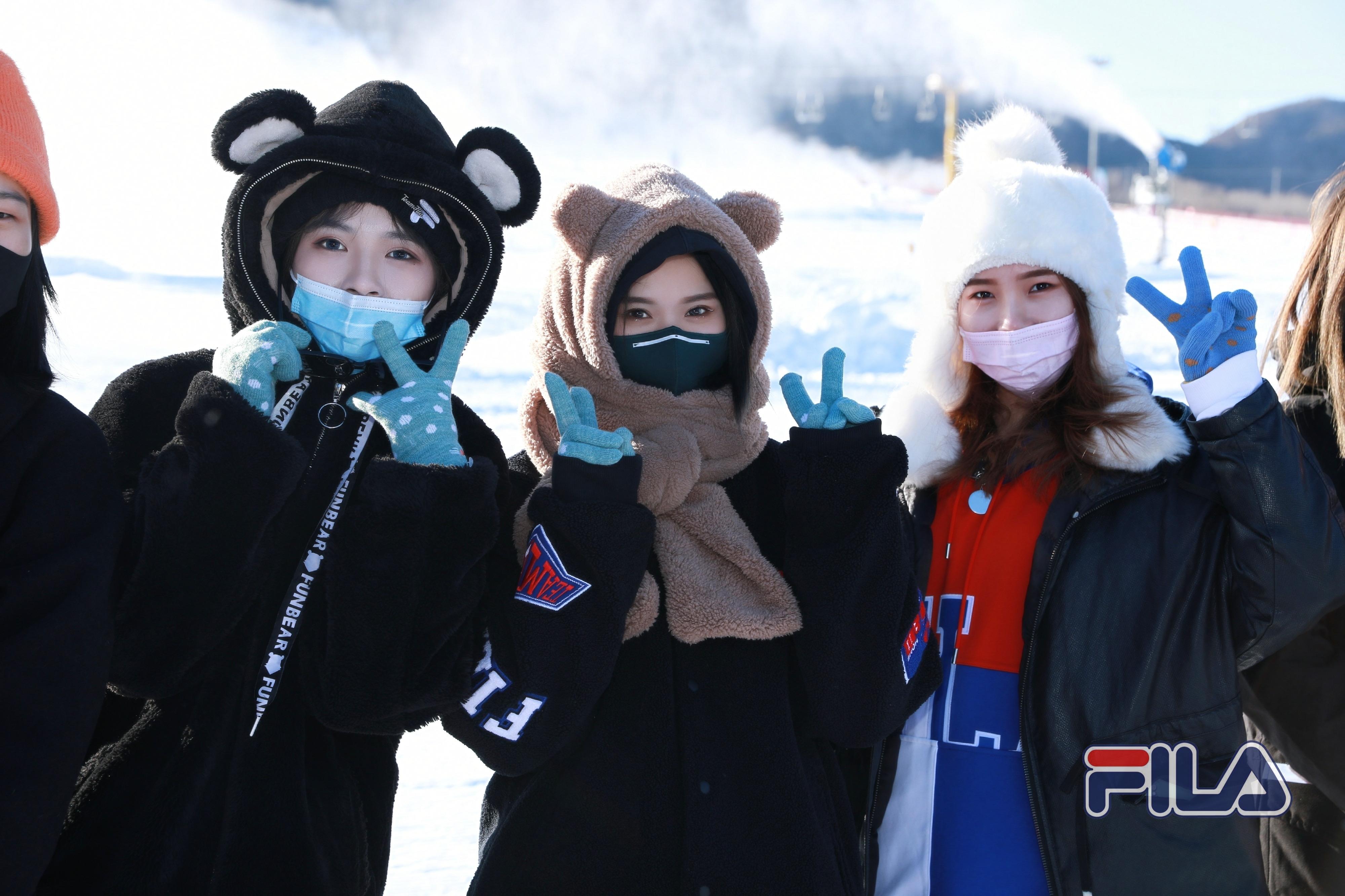 滑雪主题团建  | 踏雪飞扬的姐姐们